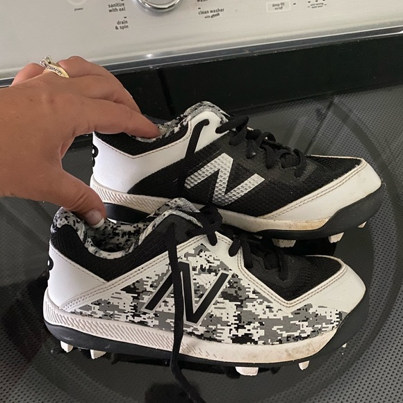 New Balance Shoes | Boys Cleats Size 2